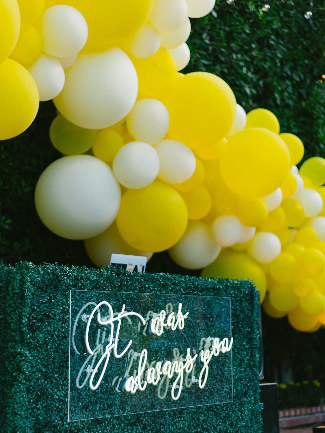 balloon wedding backdrops