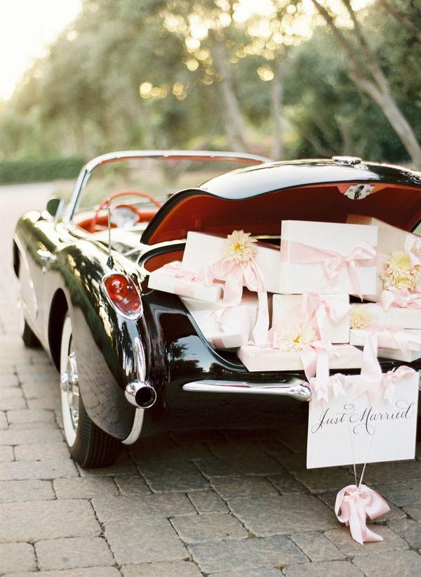 wedding registry advice | Image: Jose Villa
