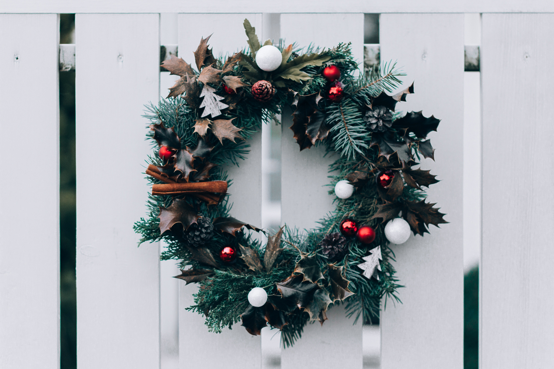 christmas-wedding-wreath