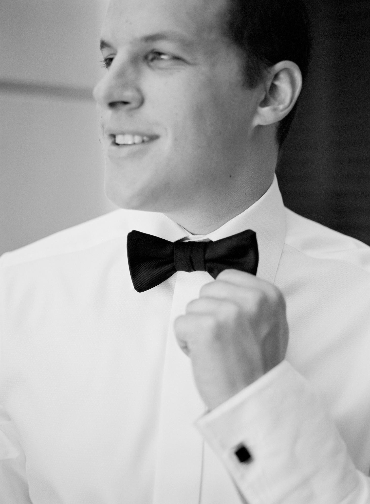 groom-in-classic-black-tux