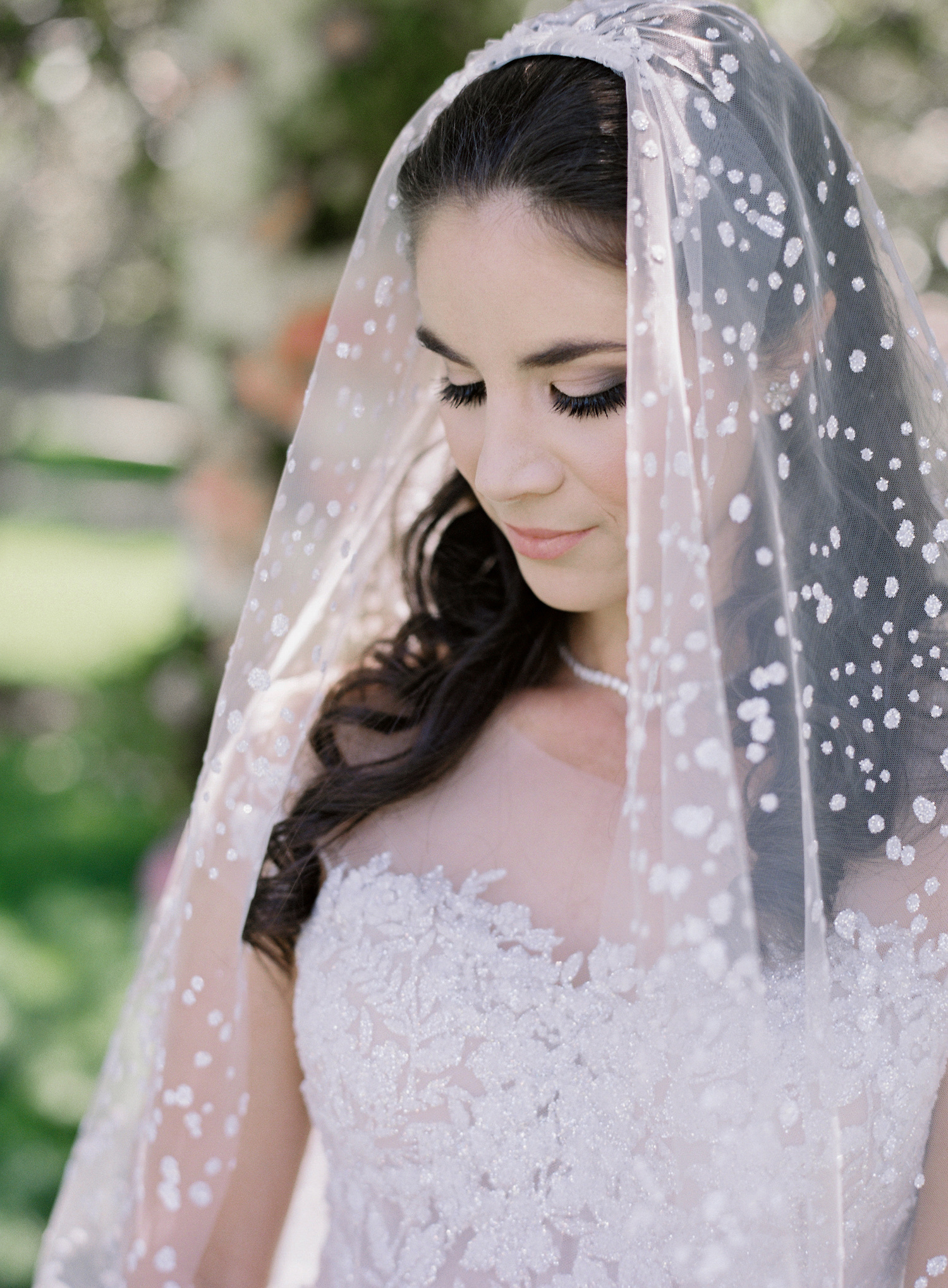 bride-with-snowflake-sequin-veil